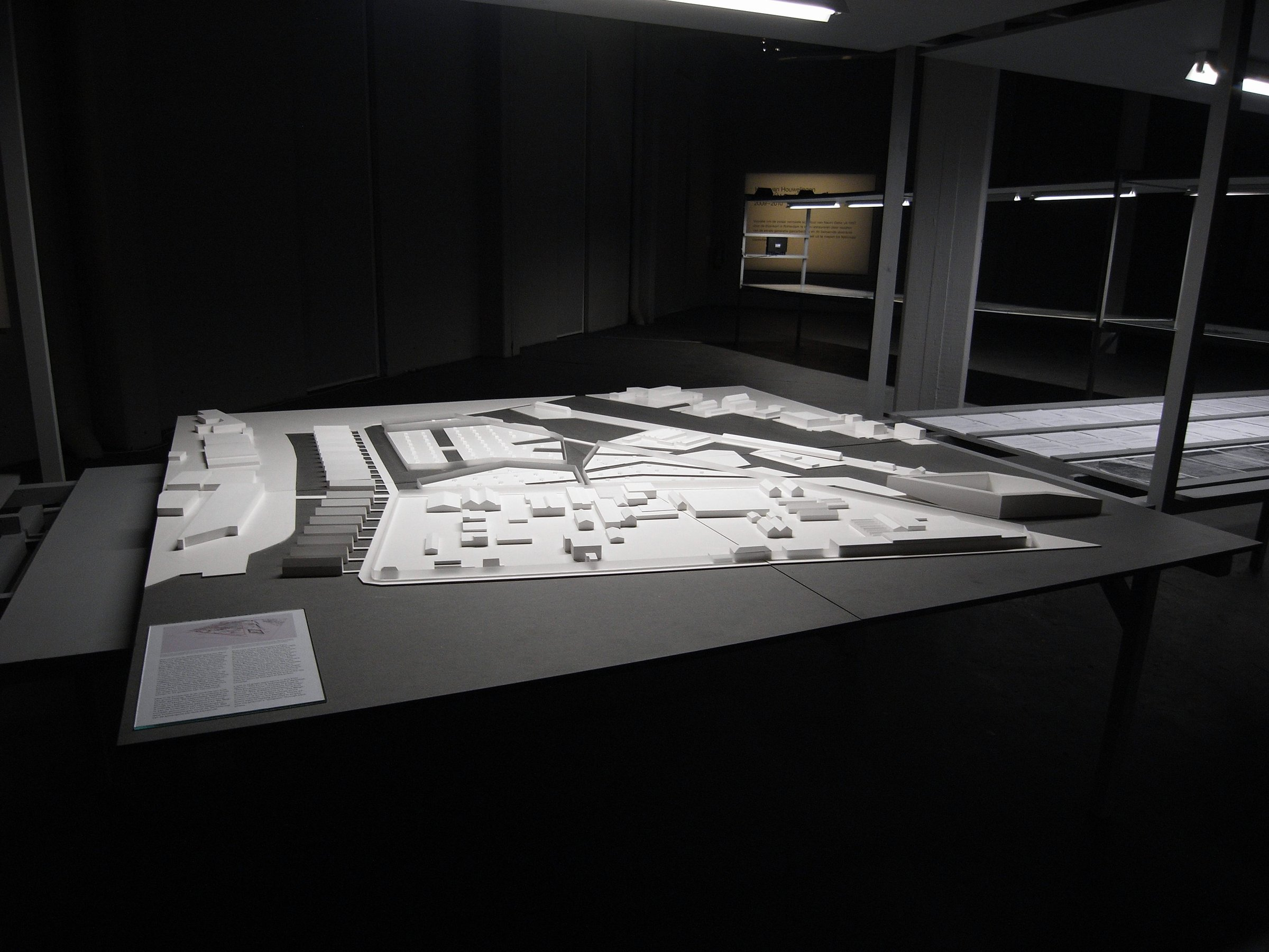 Closed Architecture (architectural model)