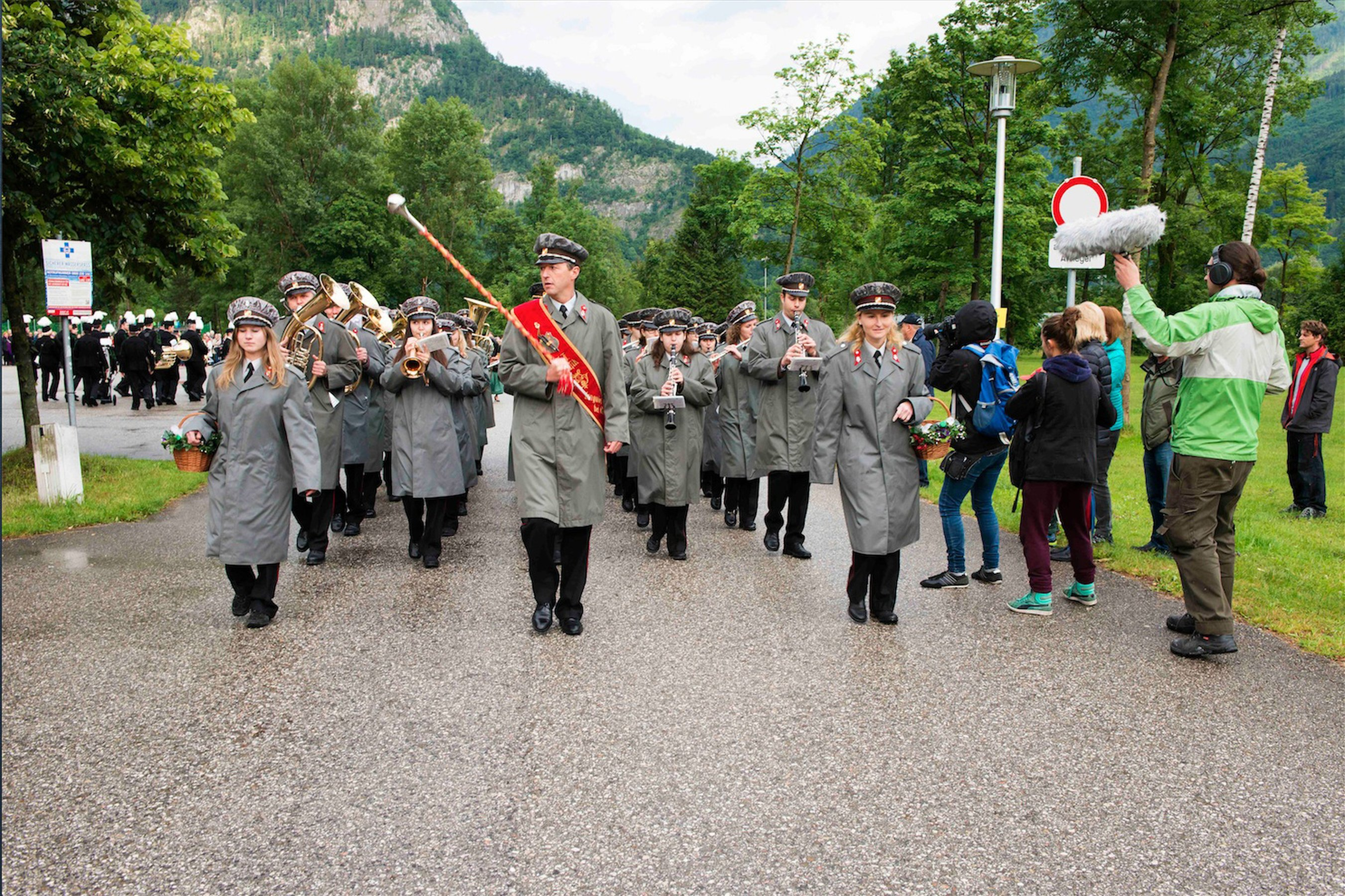 Marinella Senatore The School of Narrative Dance (Die Große Parade Public Parade, Ebensee), 2015 Fine Art Print on Hahnemühle paper, framed 80 x 105 cm