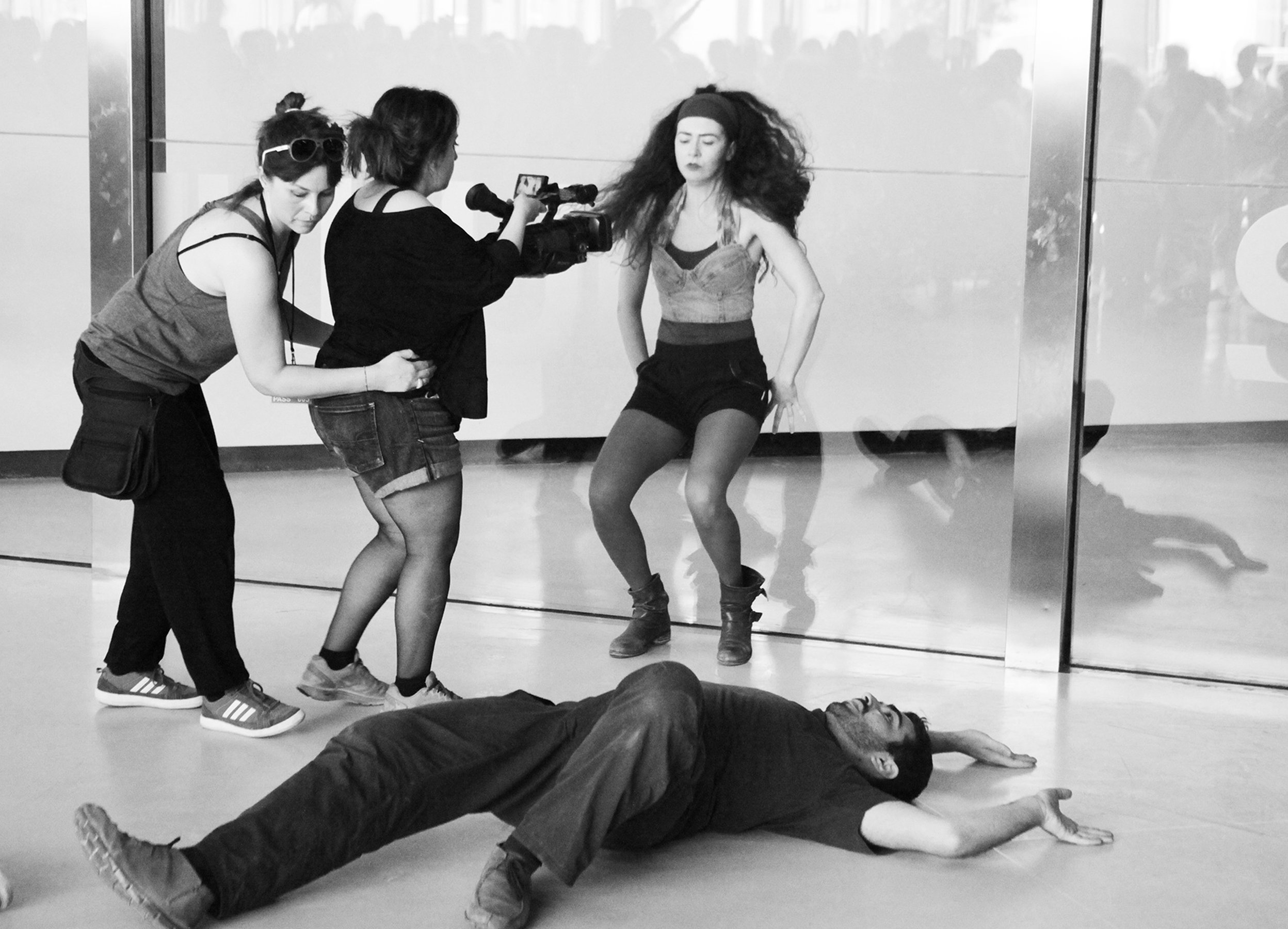 Marinella Senatore The School of Narrative Dance, Roma 2014 Final performance at MAXXI Museum, Rome Production photographs
