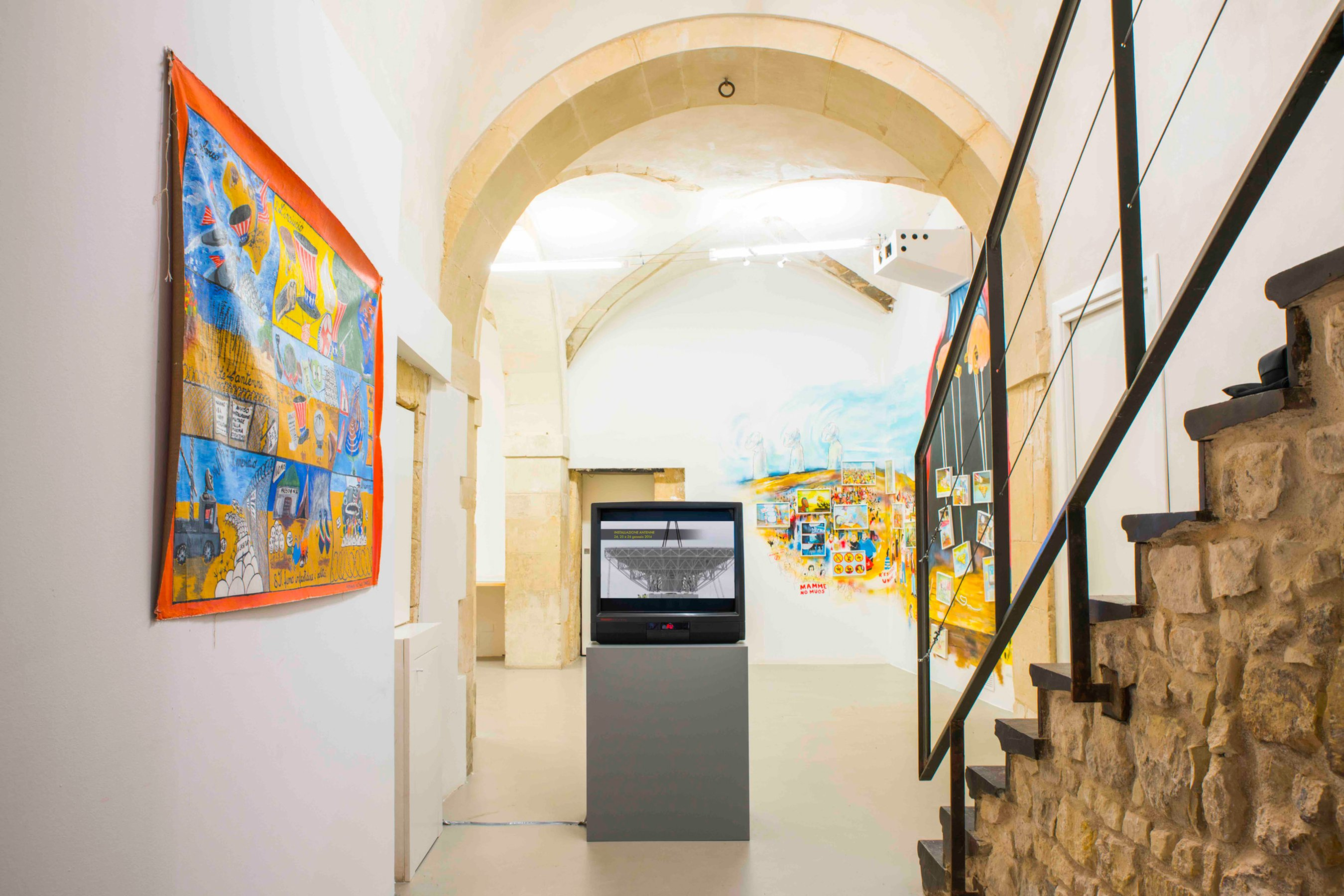 Artists Against Muos Installation view at Laveronica Arte Contemporanea, 2017 ph. Francesco Di Giovanni